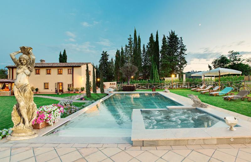 VILLA IRIS, VILLA DI LUSSO A SAN GIMIGNANO - Image 1 - San Gimignano - rentals