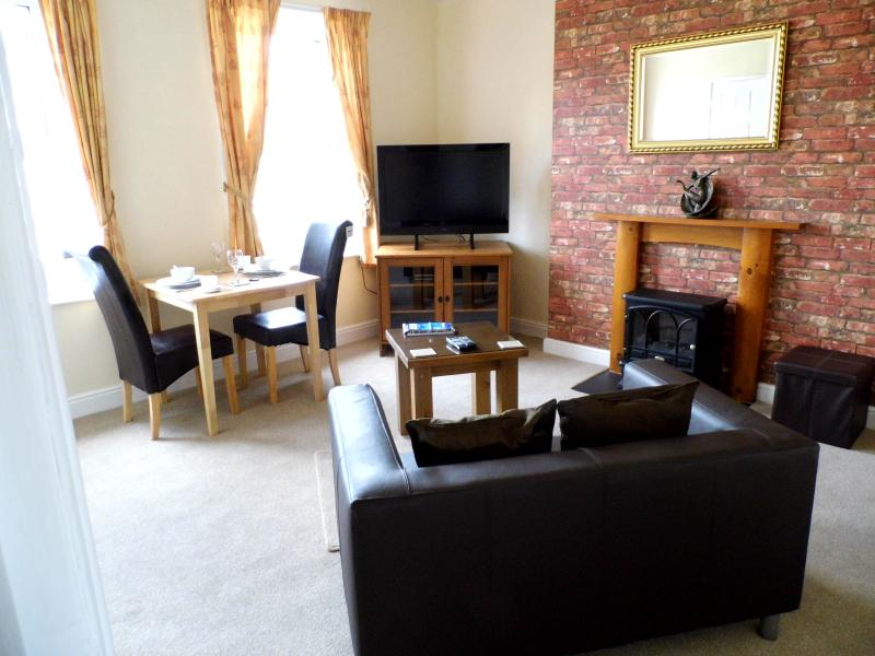 Lounge - No 2 At The Langdale - Whitby - rentals