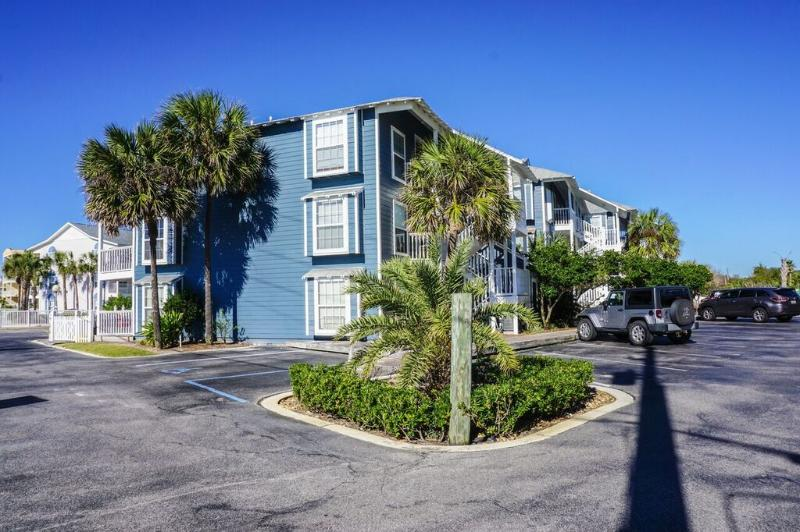 Summerbreeze Is On The 3rd Floor Which Gives An Amazing View Of The Water and Sunsets.  - Summer Breeze 303 - Destin - rentals