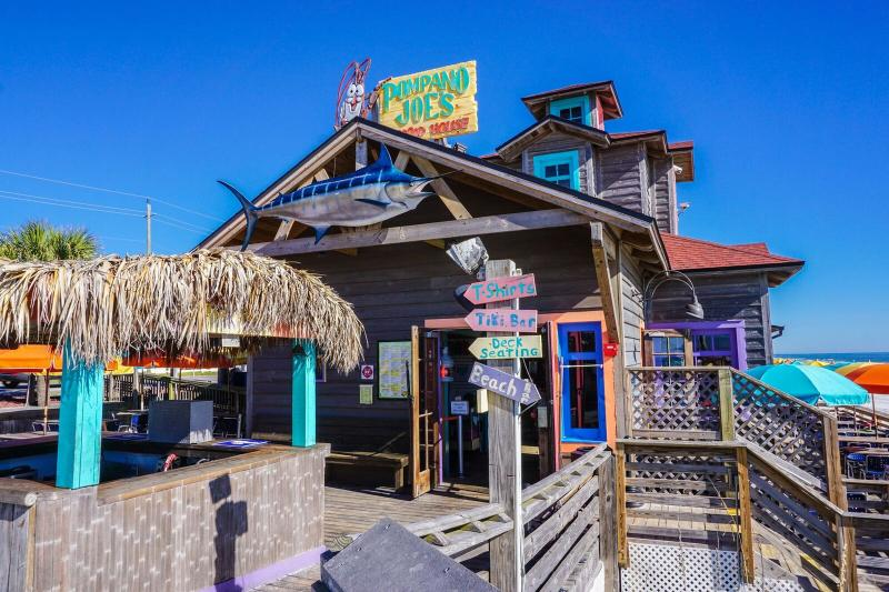 Pompano Joes Famous Beach Front Restaurant  - Tradewinds 2 * Book 7 nights Sat to Sat between March 1 - 31 for $1050 TOTAL - Miramar Beach - rentals