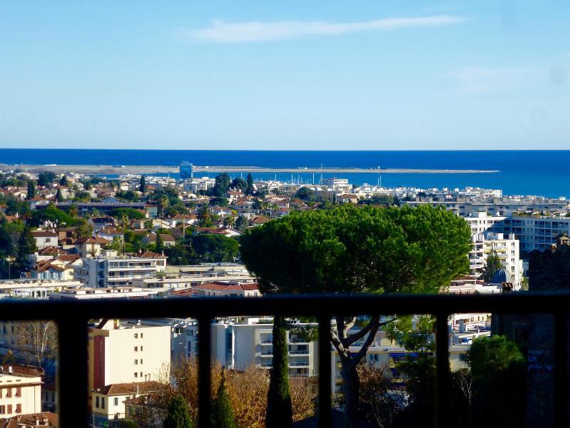 Sea view - Medieval Charm + Vintage  Seaview Lounge + Terrace - Cagnes-sur-Mer - rentals