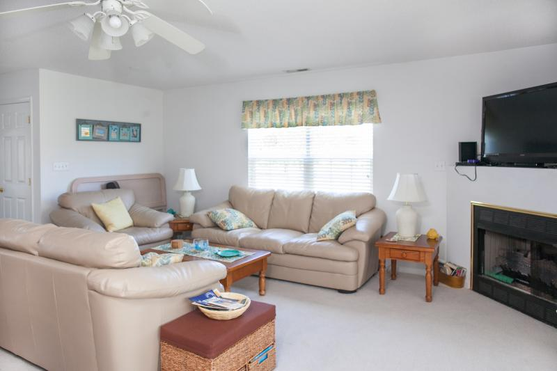 Living room - Spacious Bethany Beach Retreat - Bethany Beach - rentals