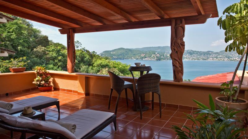 A Spacious yet Affordable Splurge Ocean Views Pool 3BR - Image 1 - Zihuatanejo - rentals