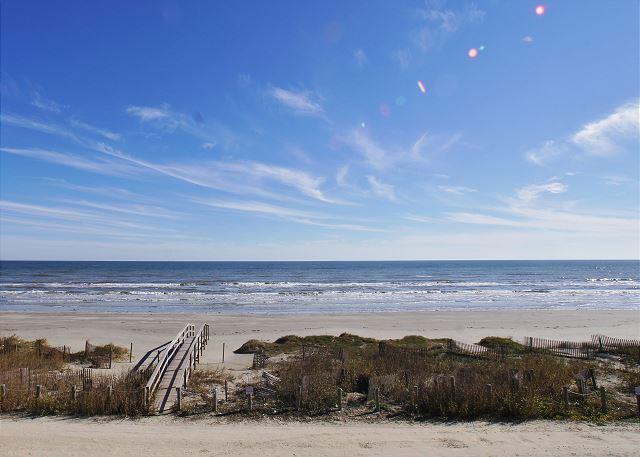"Walk over to Bermuda Beach - ""Brooke Shores"" A beautiful beachfront home with a spacious deck! - Galveston - rentals"
