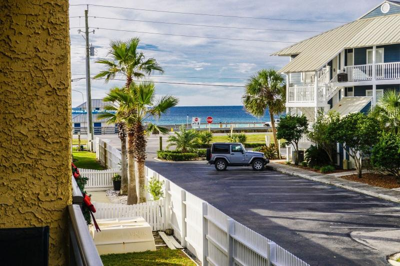 Costa Vista Is Located Just minutes From the Beach with A Private Top balcony To Watch The Sunsets.  - Costa Vista 21  * Book 7 nights Sat to Sat between March 1 - 31 for $1050 TOTAL - Destin - rentals