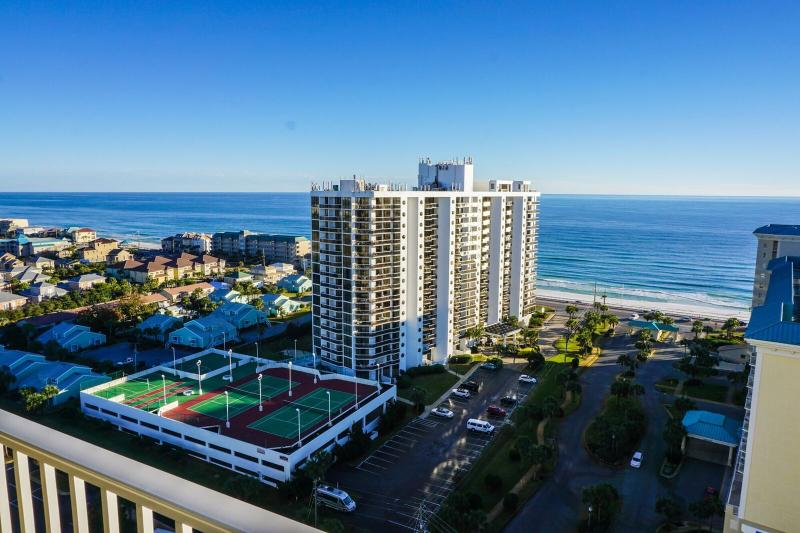 Ariel Dunes Has One of The Best Views Of the Gulf Don't Miss Out And Book Today. - Ariel Dunes 1709 ***BEAUTIFUL LY DECORATED TOP NOTCH CONDO** 150 YARDS TO BEACH, MULTIPLE POOLS FOR YOUR ENJOYMENT - Destin - rentals