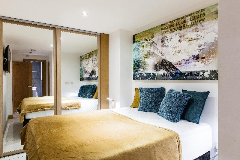 2 Nights at 15% OFF!*OXFORD CIRCUS*DeLuxe 2bed/3bath*BALCONY - Image 1 - Titchfield - rentals