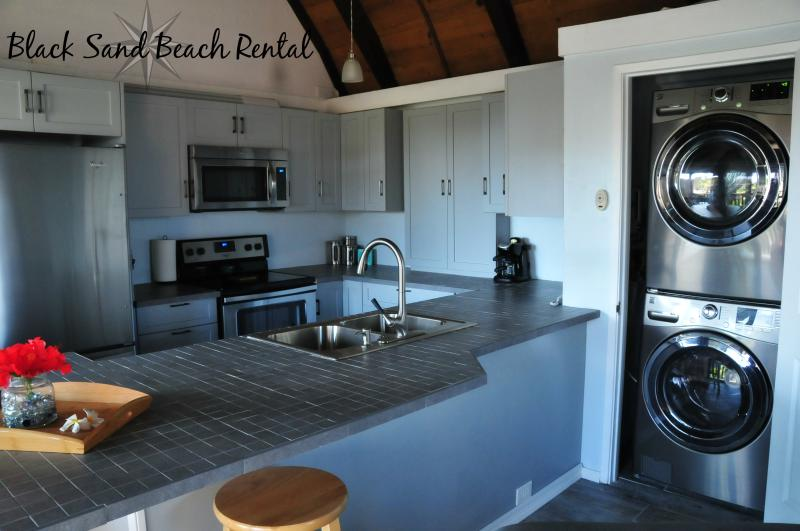 Upgraded brand new Full Size front load washer and dryer!  No need to walk down to the laundry room! - Black Sand Beach Rental at Sea Mountain - Pahala - rentals