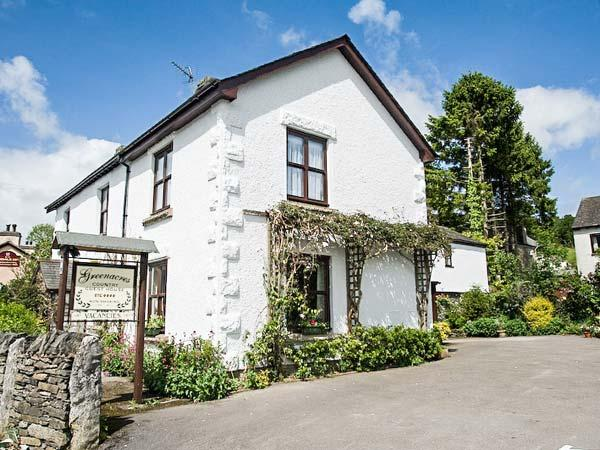 GREENACRES COTTAGE, character, en-suites, WiFi, woodburning stove - Image 1 - Grange-over-Sands - rentals