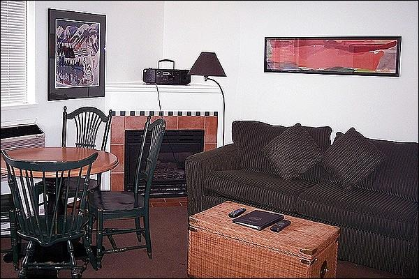Living Area with Gas Fireplace - Underground Parking - Shared Outdoor Pool and Hot Tub (4005) - Whistler - rentals