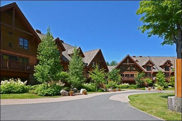 Complex Exterior in the Summer - Professionally Decorated - Great for Outdoor Enthusiasts (6049) - Mont Tremblant - rentals