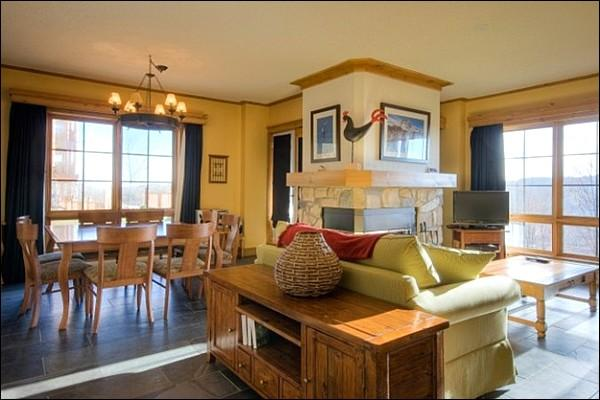 Living and Dining Rooms have Panoramic Views - Walking Distance from Village - Views of the Forest and Mountains (6084) - Mont Tremblant - rentals