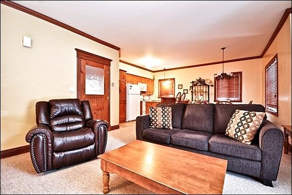 Come and Relax in This Luxury Property - Beautiful Views of the Forest and Mountain - Walking Distance from Village (6089) - Mont Tremblant - rentals