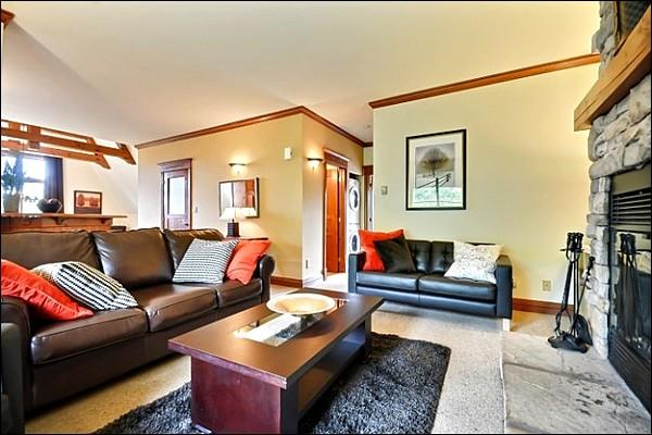 Stunning Decor Throughout the Property - Lovely Views of Mountains and Forest - Close to Pool, Pond, and Waterfall (6096) - Mont Tremblant - rentals
