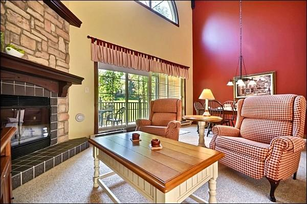 Property is Decorated in a Lovely Quaint Motif - Five Minute Walk into Village - Adjacent to Le Geant Golf Course (6138) - Mont Tremblant - rentals