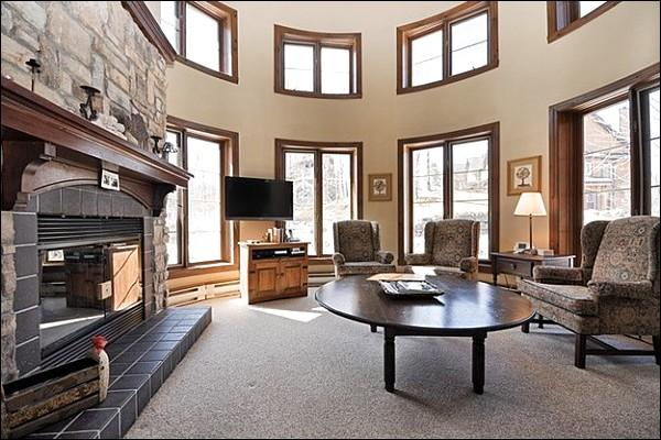 Elegant Living Room has a Unique Design and Lovely Stone Fireplace - Adjacent to Le Geant Golf Course - Walk to Village Shops and Restaurants (6141) - Mont Tremblant - rentals