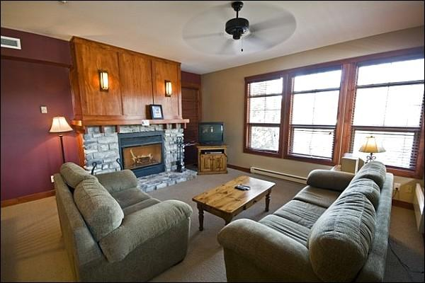 The Living Area Offers you a Warm Fireplace and Sleeper Sofa - Common Area All Season Sauna and Hot Tub - Beautiful Golf Course and Resort Views (6161) - Mont Tremblant - rentals