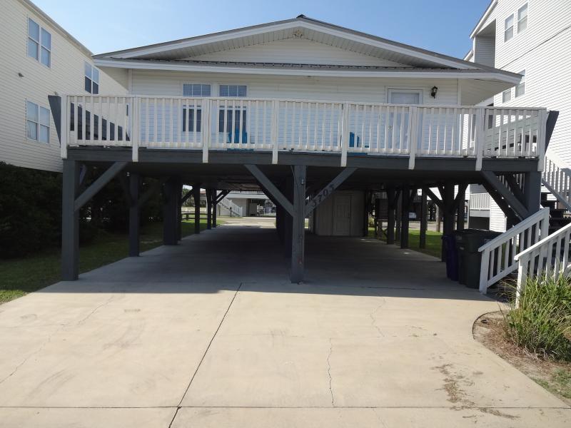 Beautiful Second Row Raised Beach Home - Image 1 - North Myrtle Beach - rentals