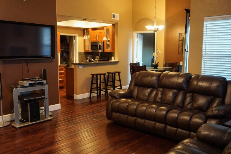 Gorgeous Luxury Condo with Pool, BBQ, Golf, Hiking & Breathtaking Views! - Image 1 - Flagstaff - rentals