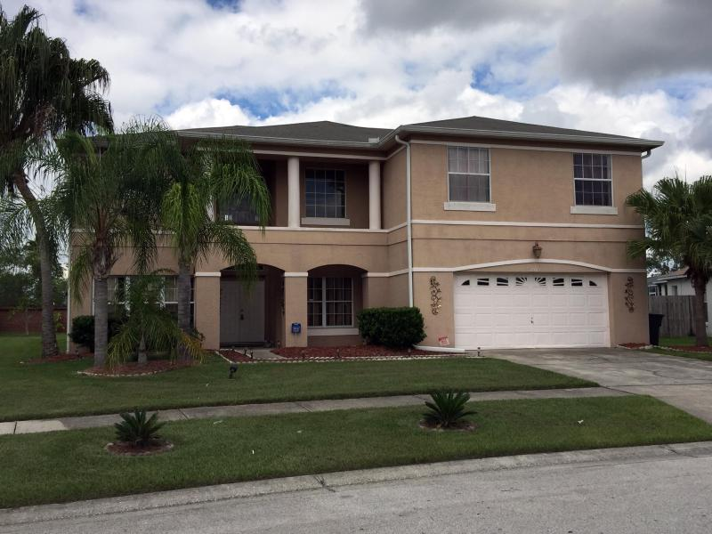 5 Bedroom House with Private Pool and Hot Tub - Image 1 - Kissimmee - rentals