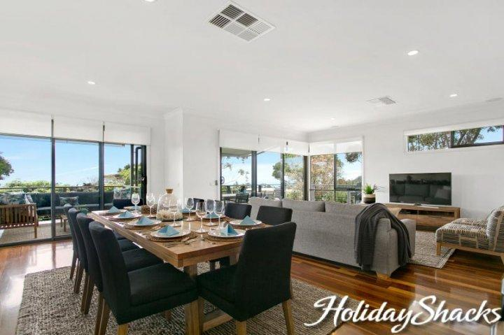 Byron by the Beach - Luxury Mount Martha Retreat - Image 1 - Mt Martha - rentals