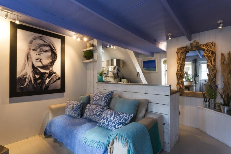 Blue Moon located in St Ives, Cornwall - Image 1 - Saint Ives - rentals