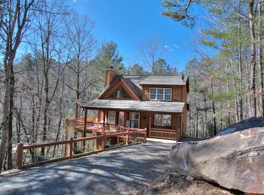 Exterior Winter- Very Private - Lazy Bear Lair - Helen - rentals