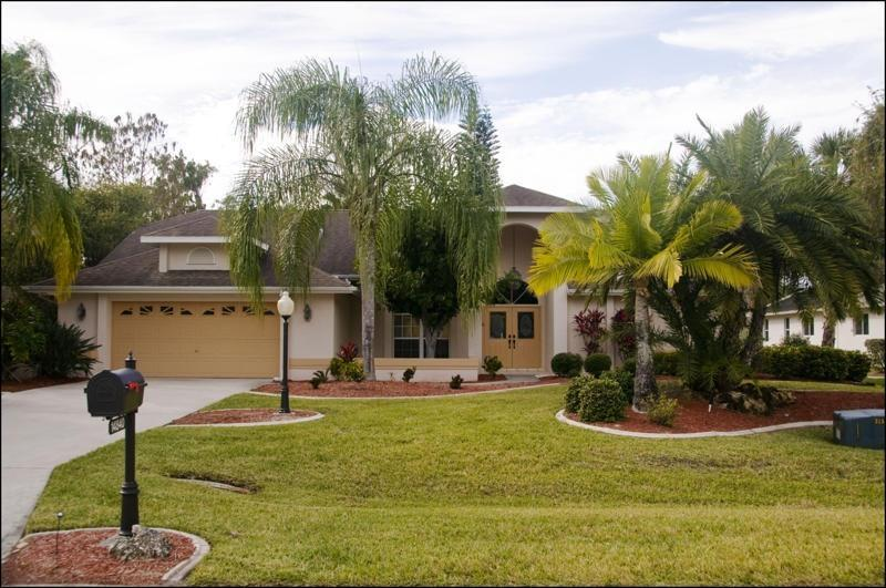 House - 4 BR Pool/Spa/Lake Villa, Eagle Ridge, Fort Myers - Fort Myers - rentals
