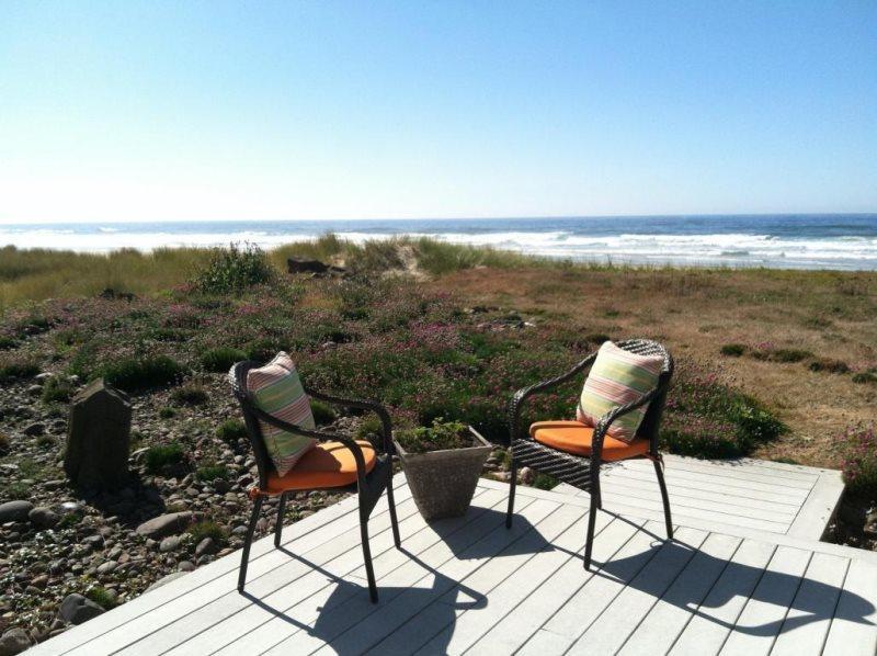 Pacific Sands - Oceanview deck - PACIFIC SANDS - Waldport - Lincoln City - rentals