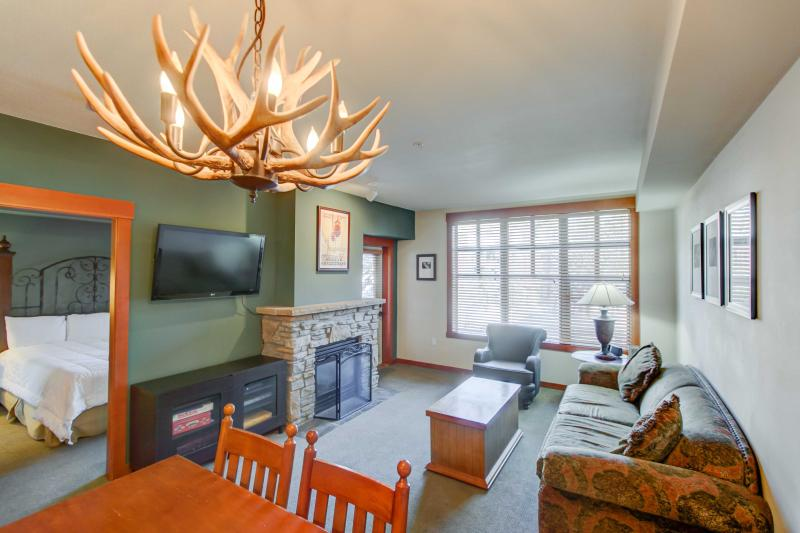 Village #1408 - Grand Sierra - Image 1 - Mammoth Lakes - rentals