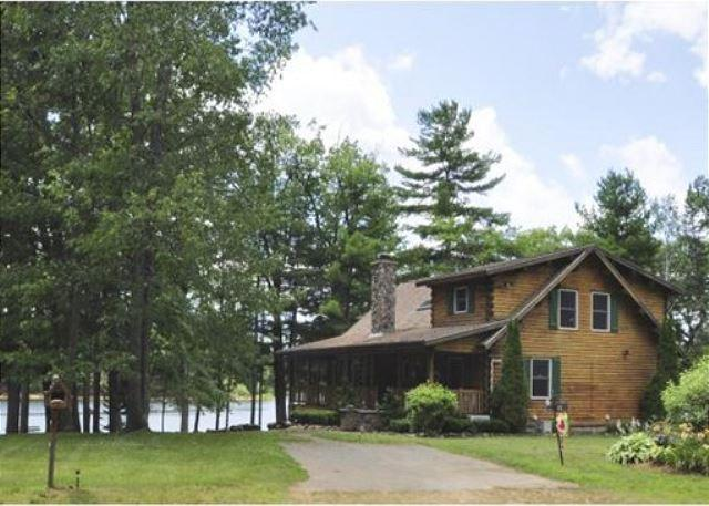 Log Cabin Waterfront on Silver Lake (FAN53W) - Image 1 - Lake Winnisquam - rentals