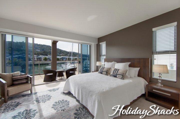 Marina View - Safety Beach Luxury Retreat - Image 1 - Safety Beach - rentals