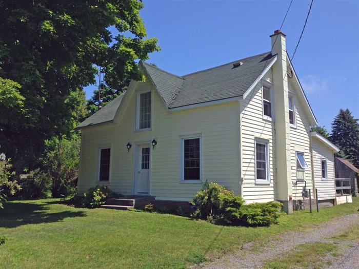 The 1875 Hicks House - Image 1 - Prince Edward County - rentals
