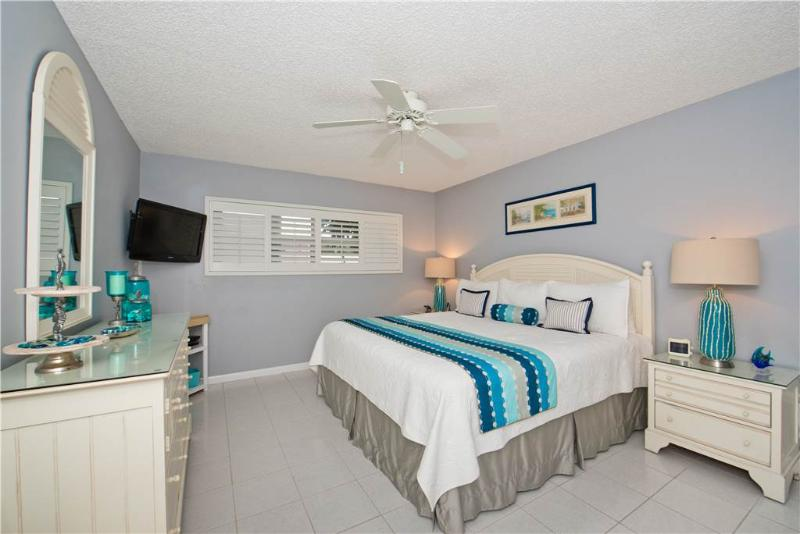 Beautifully decorated 2BR #3 - Image 1 - Seven Mile Beach - rentals
