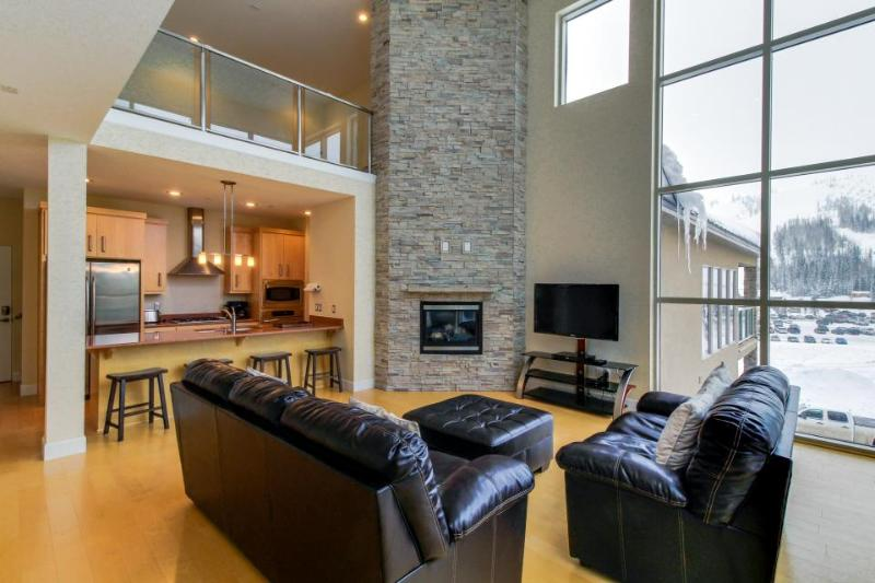 Modern and bright condo right in the heart of Brian Head. - Image 1 - Brian Head - rentals