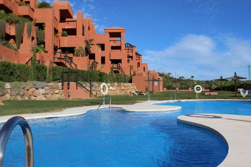 1820 - 2 bed apartment, Coto Real, Manilva - Image 1 - Manilva - rentals