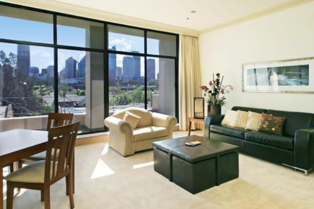 Superior Apartment with Views - Image 1 - Sydney - rentals