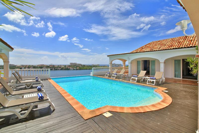 Escapade, Terres Basses, St Martin 800 480 8555 - ESCAPADE... gorgeous lagoon views and tennis court!... - Terres Basses - rentals