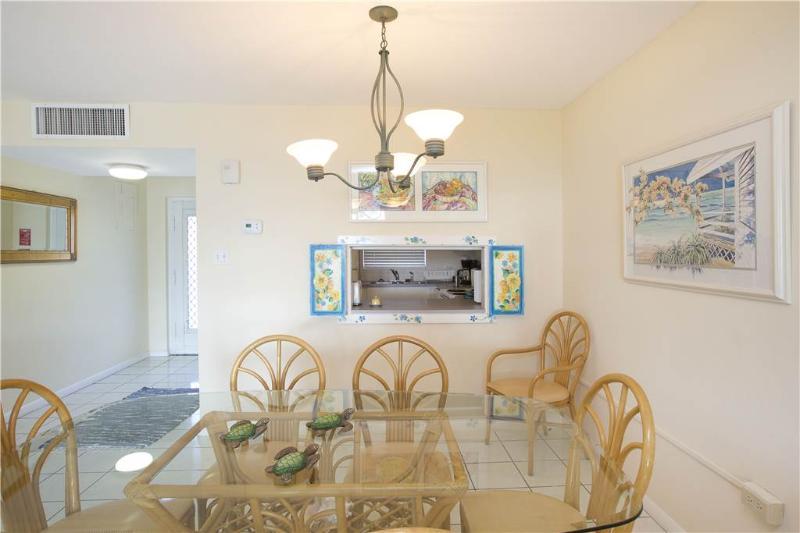 SILVER SANDS -UNIT #5 - Image 1 - Seven Mile Beach - rentals