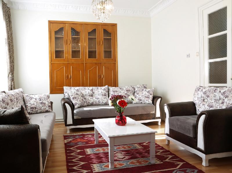 Sultanahmet - Unbeatable Location, Space&Comfort - Image 1 - Istanbul - rentals