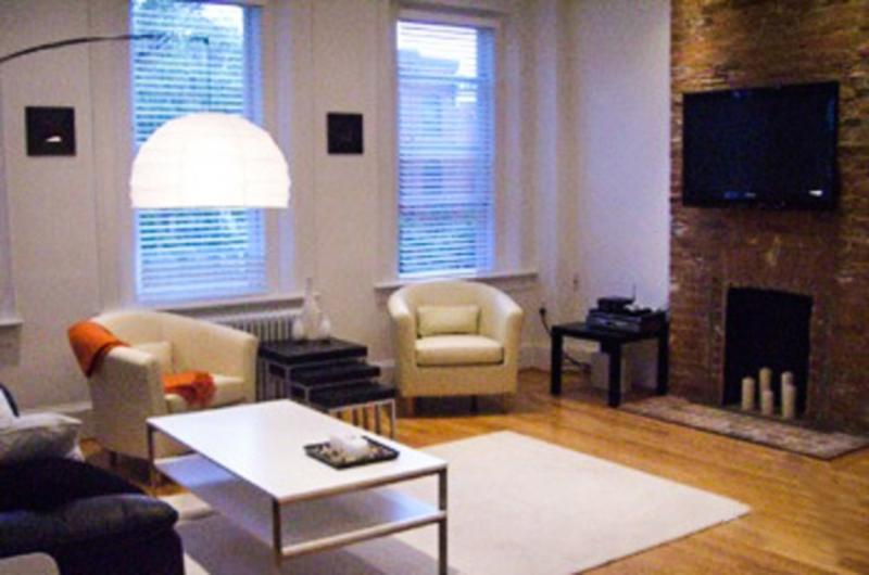 COZY AND FURNISHED 2 BEDROOM APARTMENT - Image 1 - Washington DC - rentals