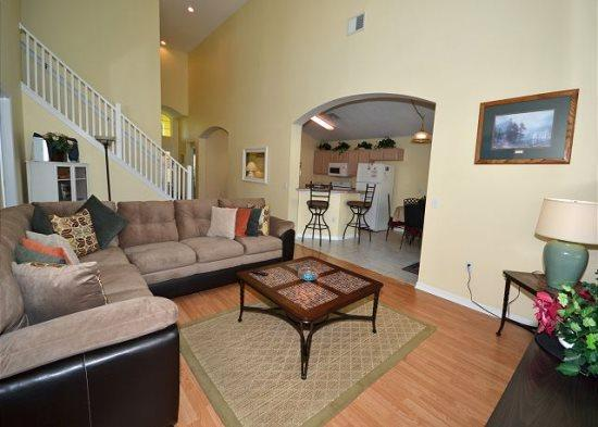 Spacious 5 Bedroom 3 Bath Pool Home In Golf Community. 1333RD - Image 1 - Orlando - rentals