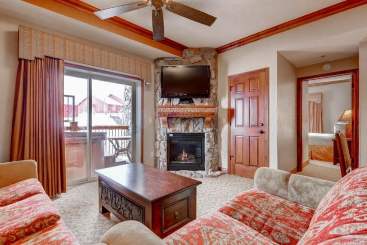 Westgate 4 Bedroom Aspen Grove features a balcony with private Jacuzzi hot tub, fireplace, flat screen HDTV, queen sofa sleeper and views. - Westgate 4 Bedroom Aspen Grove - Park City - rentals