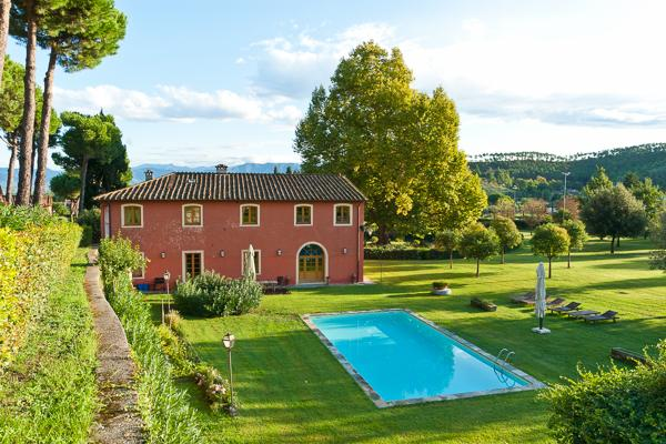 Overlook a small lake from this fully heated and air- conditioned villa. CSL MAT - Image 1 - Lucca - rentals