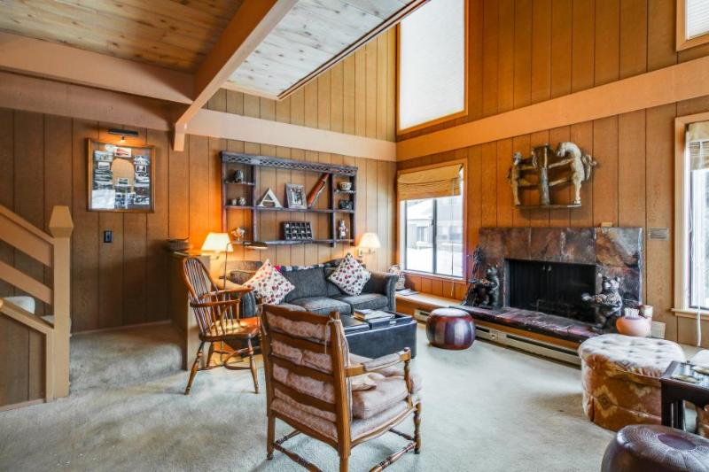 Condo for six w/ great amenities, views of Bald Mountain! - Image 1 - Sun Valley - rentals