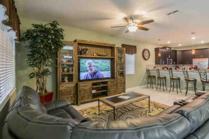 Impressive Living Area w/Entertainment Center & Flat Screen TV - 1493 Champions Gate - Davenport - rentals