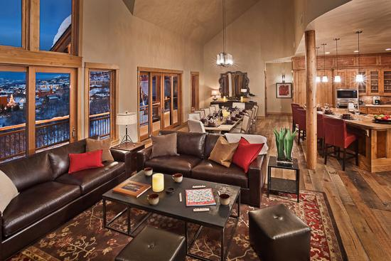 "Upper great room - ""Great Powder"" Specials : Save up to 25% at Falconhead Lodge - North - Steamboat Springs - rentals"