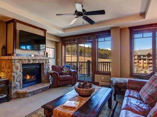 Crystal Peak Lodge Ski-In Ski-Out Corner Unit with Spectacular Views and Ultimate Comfort - Image 1 - Breckenridge - rentals