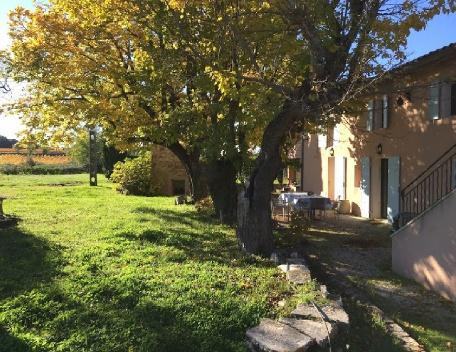Holiday rental French farmhouses / Country houses Venelles (Bouches-du-Rhône), 250 m², 2 990 € - Image 1 - Venelles - rentals