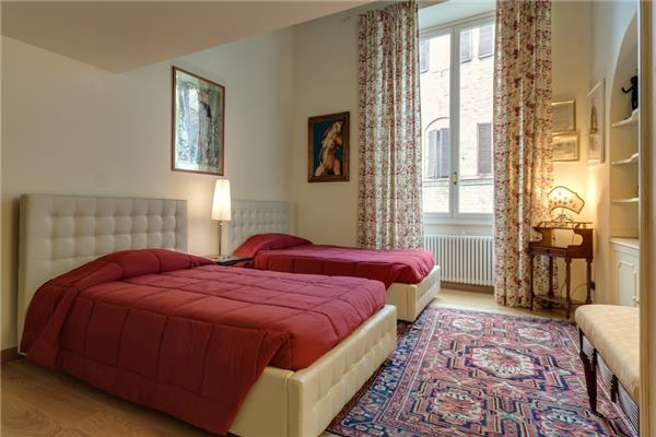 3 bedroom Apartment in Florence, Tuscany, Italy : ref 2261809 - Image 1 - Florence - rentals